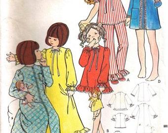 Vintage 1970s Girls Night Wear Pajamas Sewing Pattern Size 3T Butterick 5988
