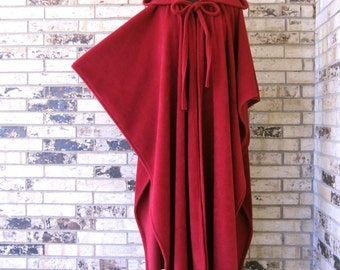 Long Fleece Burgundy Irish Cape