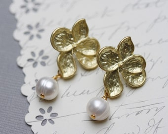 Pearl Flower Earrings White Pearl Earrings Golden Flower Fresh Water Pearls Wedding Jewelry