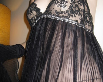 Vintage 1950s 1960s Mad Men Sheer Black Nylon and Lace Accordion Pleat Floor Length Full Sweep Night Gown Nightie FOH