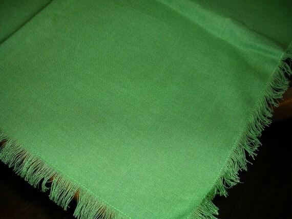 """Vintage Unused Bright Green Fringe Edge Tablecloth 42"""" X 59"""" ..TN29"""