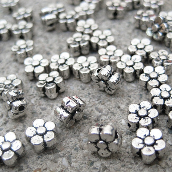 25 Chunky 6mm 5-Petal Flower Beads - Antique Silver -  TS966B