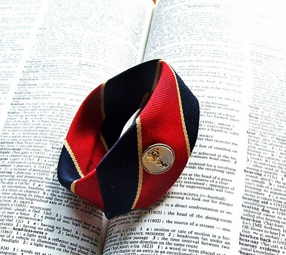 Necktie Wristcuff in scarlet red and navy with clown stripes and vintage metal button