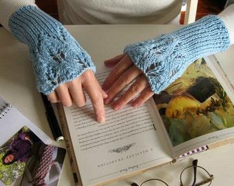 Romantic Wedding Blue Lace Glove Knit - Fingerless Gloves - Wrist Warmers