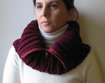 Burgundy Cowl With Zip, Chunky Knit Cowl Neck, Mens Chunky Cowl, Short Scarf, Womens Cowls, Neck Warmer, Hand Knit Wool Cowl Scarf, Snood