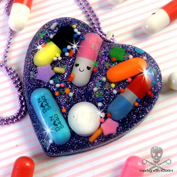 HAPPY PILLS - Pill and Glitter Resin Heart Necklace