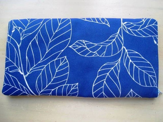 LEAVES ON BLUE - Apple Magic or Samsung Wireless Keyboard Sleeve - Padded and Zipper Closure