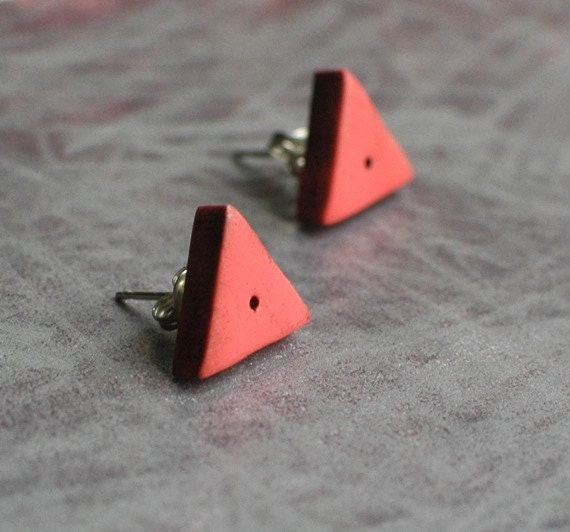 Triangle post earrings in Coral