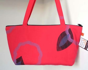 Bright accessory, purse, shoulder bag, dark pink, cotton canvas, handprinted, one of a kind, color burst
