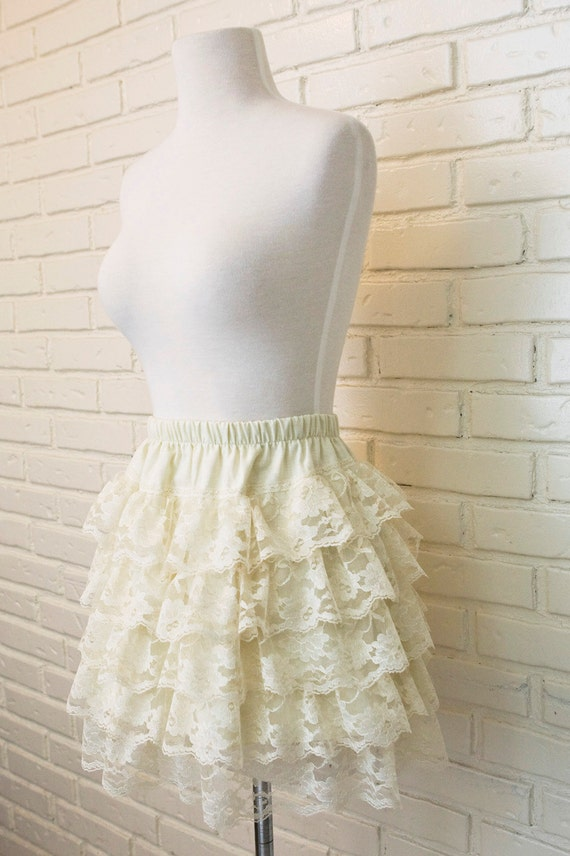 Lily - Cream Vintage Style Tiered Floral Lace and Linen Skirt