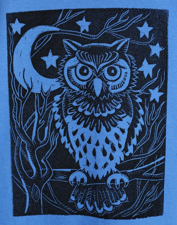 Night Owl - Men's T-Shirt on Blue - Size Large