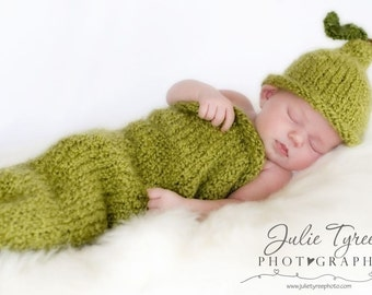 Anjou Pear Hat and Matching Cocoon -- Newborn - 0-3 Months - Chunky - Photography Prop - Made-to-Order