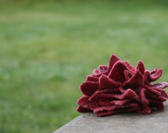 Felt Brooch Tutorial, Felted Flower Pin, Wet Felting Pattern