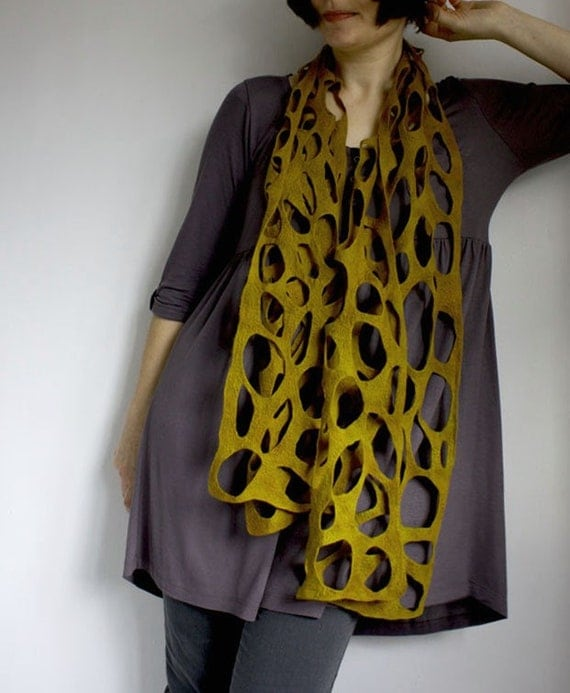 Merino Scarf in Seaweed Yellow Green, naturally dyed, Living Sea