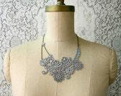 lace necklace -ADIEU TRISTESSE- (pale grey)