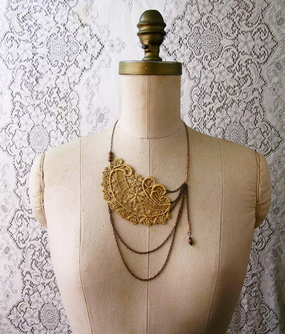 lace necklace -ALTHEA-