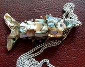 Vintage 1950s 50s Seaside Souvenir Shop Abalone Abolone Jointed Fish Necklace Pendant Costume Jewelry Nostalgic