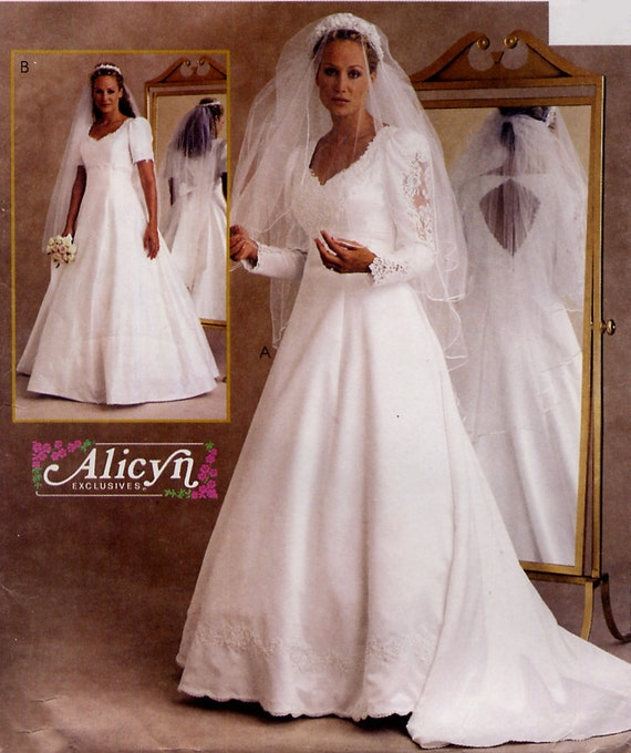 Alicyn wedding dress pattern mccalls 2532 by treazureddesignz for Wedding dress patterns mccalls