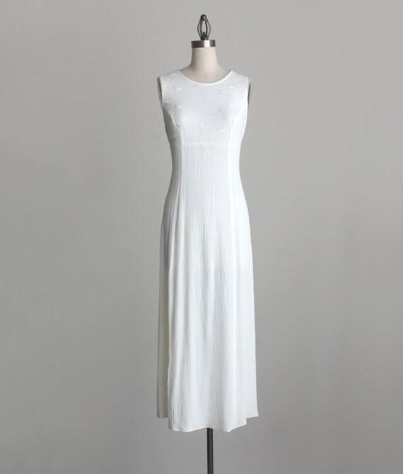 VINTAGE MAXI DRESS 1990s Vintage Simple Ivory Cream Floral Embroidered Grunge Maxi Dress