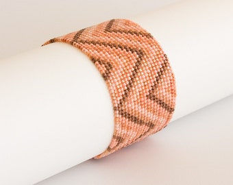 Beaded Bracelet in Shades of Salmon  Pink, Peach and Copper with Ornate Copper Box Clasp. Geometric Wide Bracelet Zigzag Geometric S143