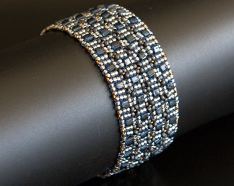 Beadwoven Bracelet with Grey  Blue Cube Beads, Silver and Dark Topaz Seed Beads, Geometric Bracelet S164