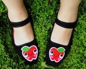 Happy Apple Mary Jane Shoes - size 7
