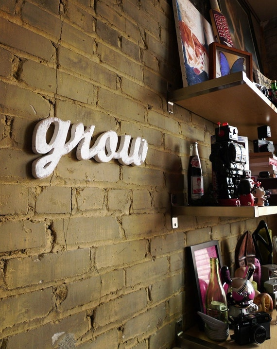 GROW recycled wooden sign