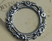 Round Silver Floral Frame Wreath 1268