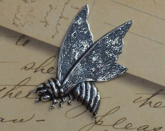 Large Silver Bee Finding 1513