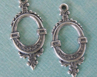 2 Ornate Silver Charms 740