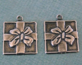 2 Silver Gift Package Charms 942