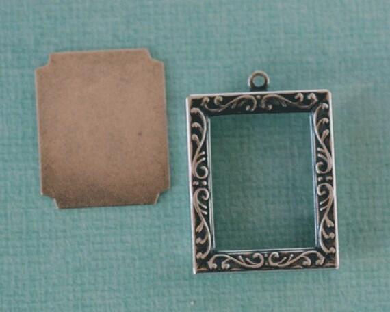 Silver Frame Pendant 1082