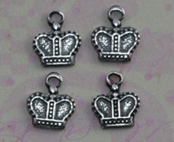 4 Tiny Silver Crown Charms 1209