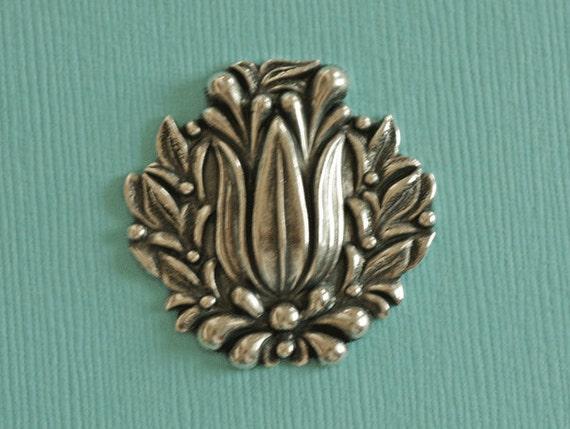 Silver Tulip Medallion Finding 2886