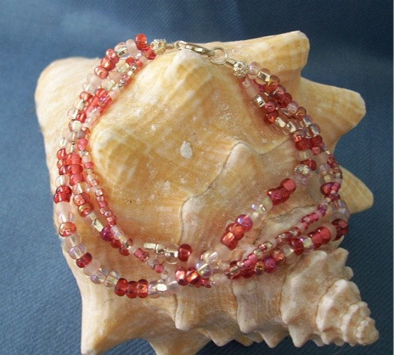 Cool Reds Beaded Bracelet