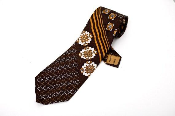 Men's Necktie / Vintage Brown Pierre Cardin Tie