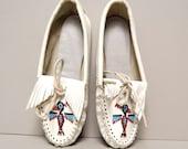 size 6 FRINGE thunderbird 70s MOCCASIN white leather loafers