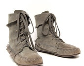 size 8 FRINGE gray suede MOCCASIN lace up ankle booties