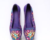 size 7 ESPADRILLE purple cotton 80s EMBROIDERED slip on flats made SPAIN