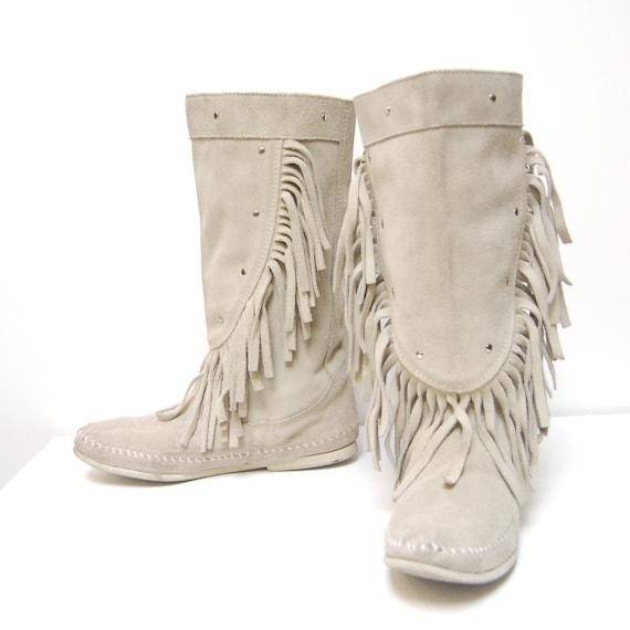 white buffalo white fringe minnetonka studded moccasin boots