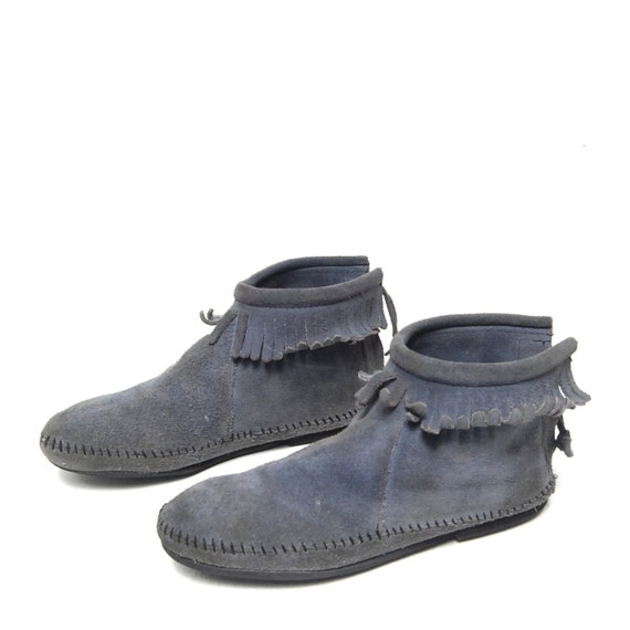 size 8 MINNETONKA blue suede leather 80s MOCCASIN fringe ankle booties