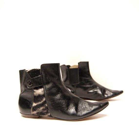 size 6.5 7 WINKLEPICKER black leather 80s SLIP ON ankle boots