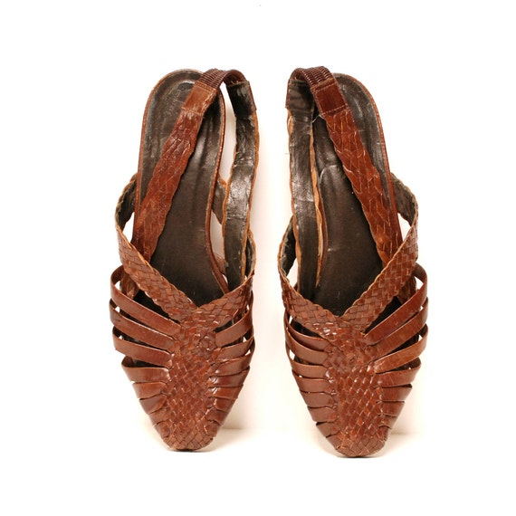 size 7.5 WOVEN brown leather 80s HUARACHE slingback sandals