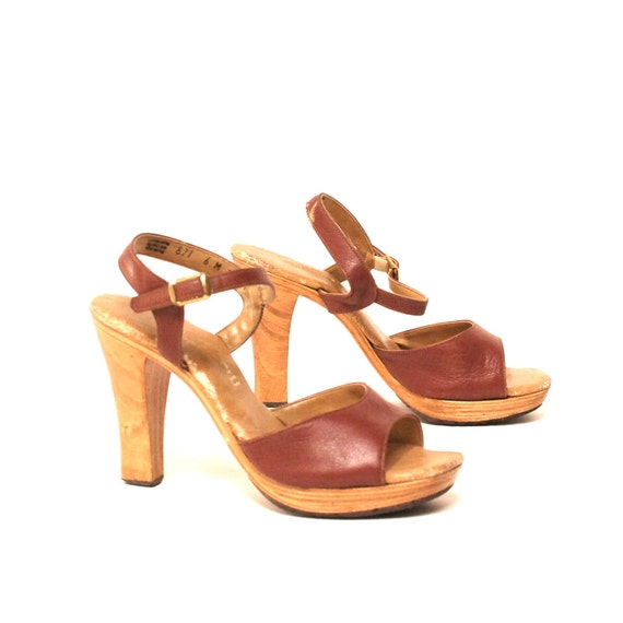 size 6 PLATFORM maroon leather 70s WOODEN CLOG strappy high heels