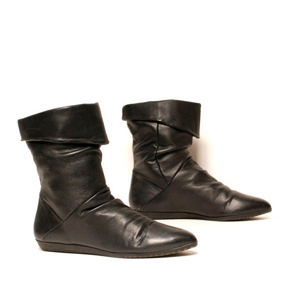 size 8 CUFFED black leather 80s SLOUCHY ankle boots