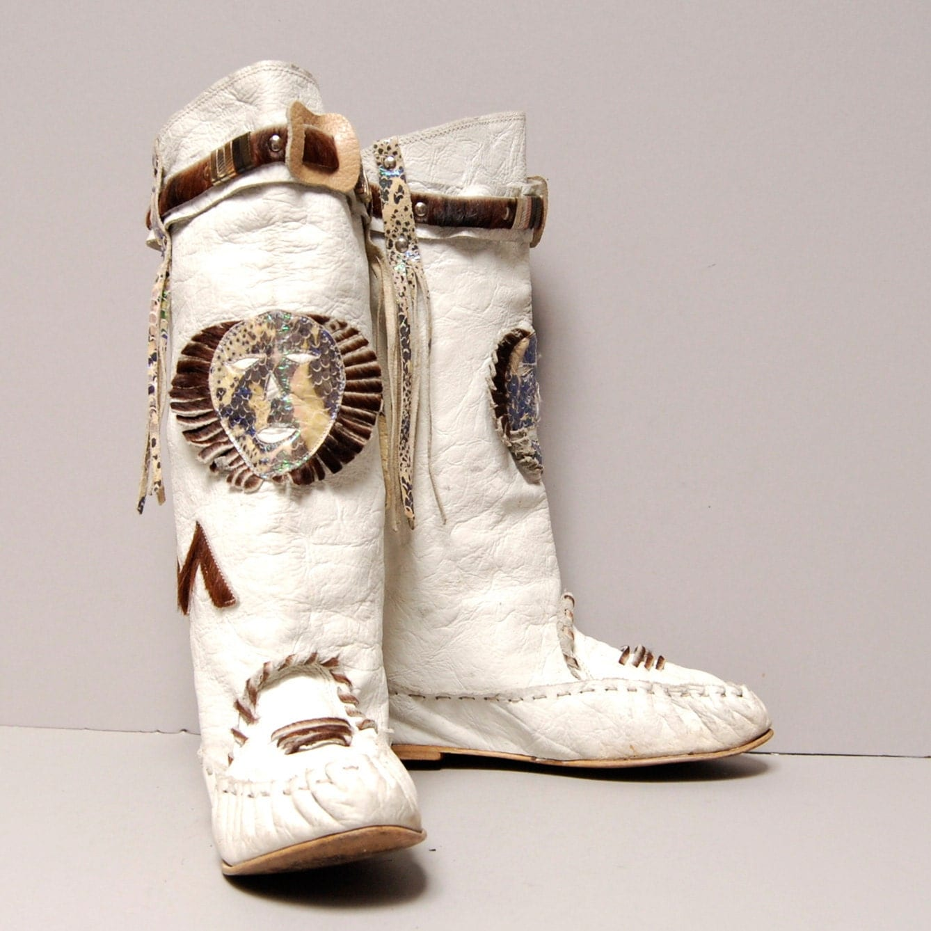 size 7 moccasin white leather 80s ancient cowhide
