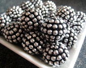 Vintage berry beads - antique silver 20mm  (6)