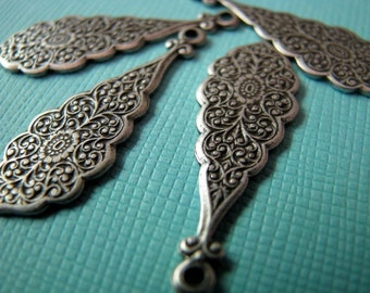 Ornate silver drops 30mm (2)
