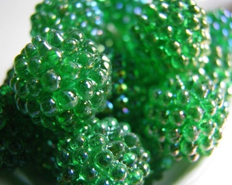 Vintage lucite berry beads - grass green AB 15mm (6)