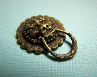 Brass lion head doorknocker cabochons 3/4 inch (3)